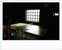 Ping-pong en el Bar de Hopa Home Hostel